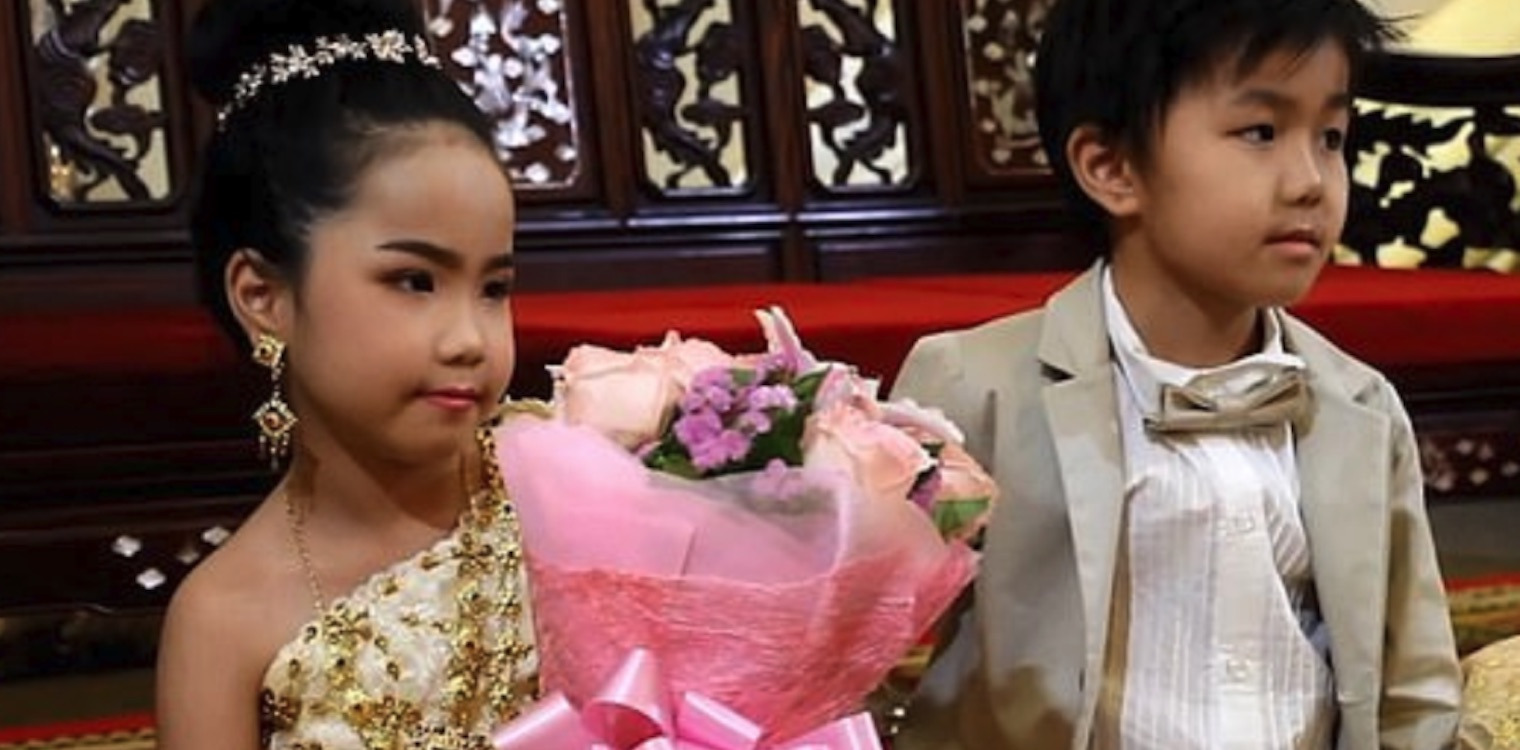1d7c1e5ce69 Ταϊλάνδη: Πάντρεψαν δίδυμα εξάχρονα - Ηλεία Live!
