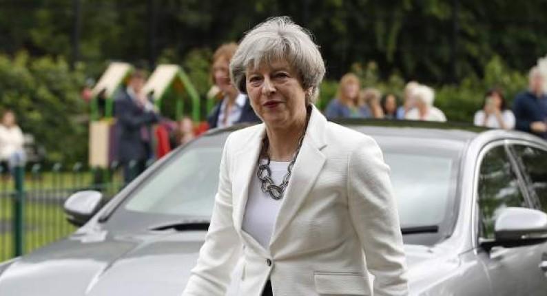 Τερέζα Μέι: Τέλος στην ελεύθερη μετακίνηση Ευρωπαίων στη Βρετανία από το 2019