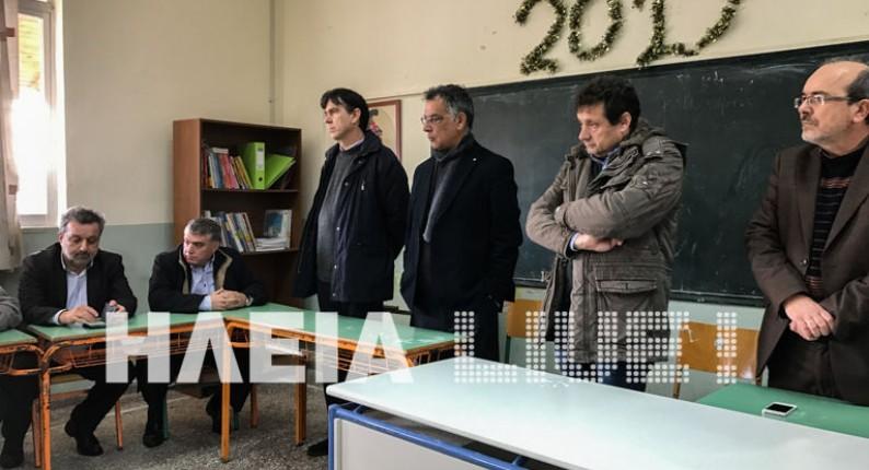 Νεοχώρι Κυλλήνης: Έληξε η κινητοποίηση των γονέων - Παρουσία Μπαξεβανάκη δόθηκαν εξηγήσεις