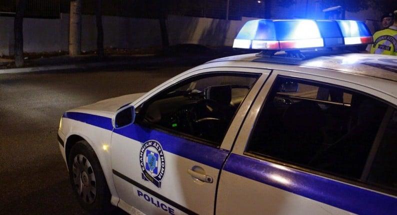 Καβάσιλα: Τρακτέρ εναντίον καφενείου μέσα στη νύχτα