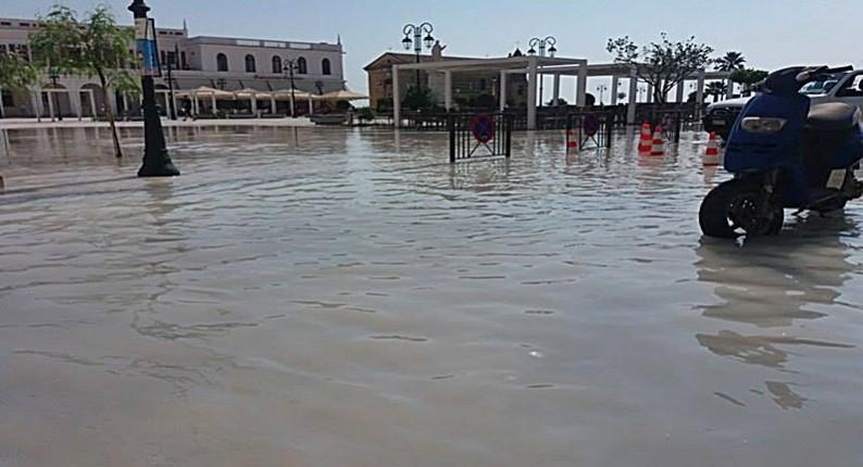 Ζάκυνθος: Σε Βενετία μετατράπηκε η Πλατεία Σολωμού - Δείτε τι έγινε (φωτο)
