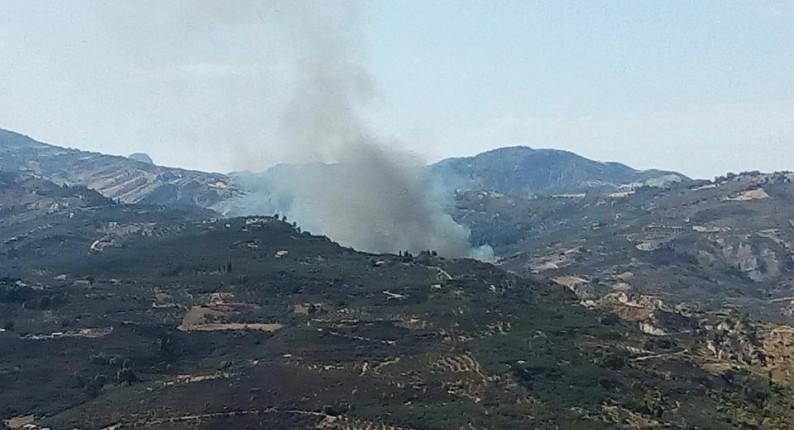 Σε εξέλιξη μεγάλη φωτιά στον ΧΥΤΑ Αιγείρας - Ισχυρές πυροσβεστικές δυνάμεις στο σημείο ς